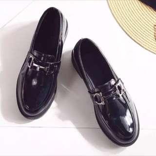 現貨全新 英倫風黑色小皮鞋附鞋盒