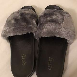Fur Sandal Grey