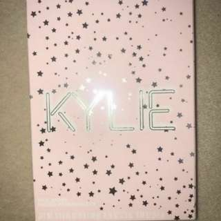 Kylie Jenner I want it all eyeshadow palette