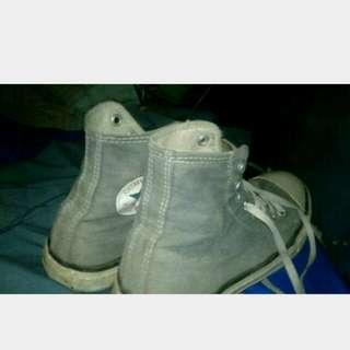 Sepatu converse navy saze 42