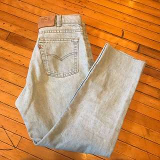 vintage levis lightwash mom jeans