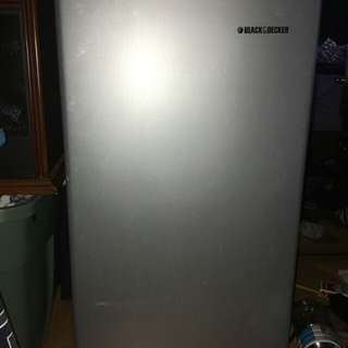 Black and Decker mini fridge