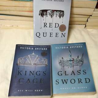 Red Queen and Glass Sword (Red Queen Series)