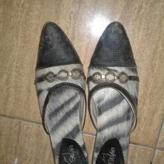 Sepatu heelss