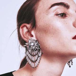 🚚 預訂美國Urban Outfitters 奢華宴會超閃水晶耳環