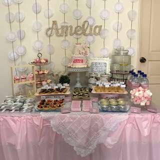 Dessert Table Backdrop (Doilies)