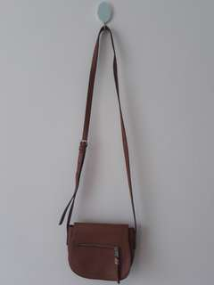 Tas brown