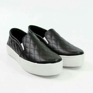 Slip on casual tambora