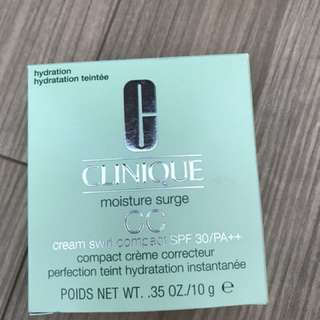 Clinique moisture surge foundation