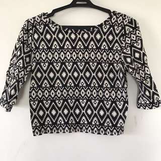 Graphic print cropped top