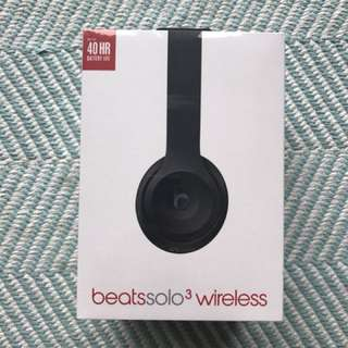Beats solo3 wireless in matte black