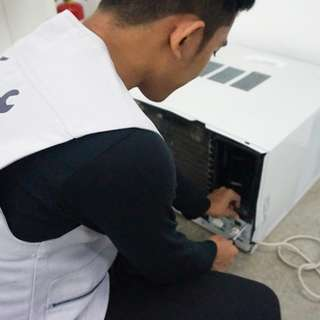 Aircon Cleaning ( Split and Window type )