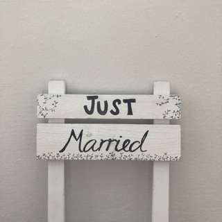 Wedding materials! -Just Married sign-