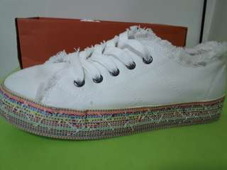 Rocket Dog Branded White Sneakers rubber shoes korean style Converse Look