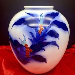 香蘭社白瓷手繪暈色花器