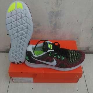 Sepatu Nike Free RN