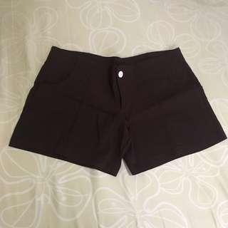 Mid-waist shorts