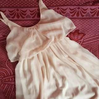 Cream Flowy Dress 💕