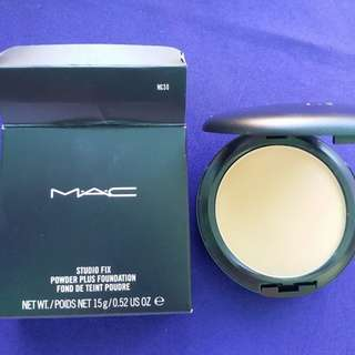 SW MAC Studio Fix Powder Plus Foundation in NC30 (BC: A37)