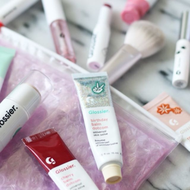 10% FIRST GLOSSIER ORDER