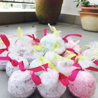 Home made fresh bunch of Bath bombs