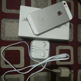 dijual Iphone 5 silver full set