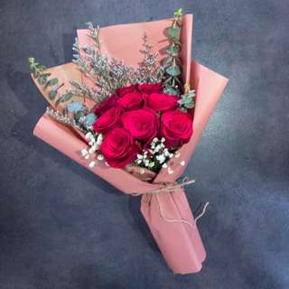 Red roses bouquets for valentine day!