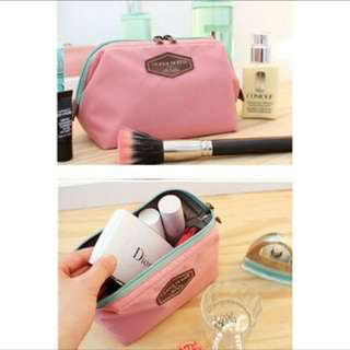 Pouch / make up kit