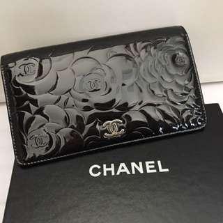 Chanel 山茶花漆皮銀包