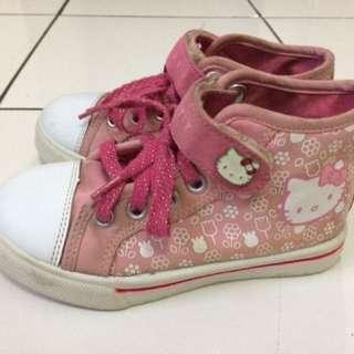 Sepatu hello kitty pink sz 27