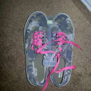 Mossimo Camouflage Shoe