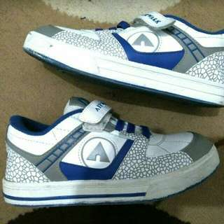 Sepatu airwalk size 34