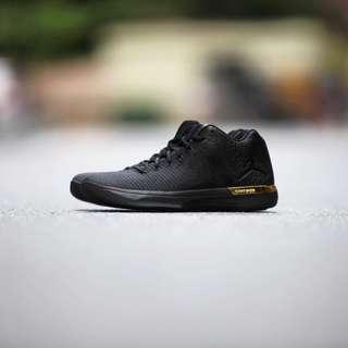 Air Jordan 31 Low 'Black & Metallic Gold' 喬丹31代 低筒 / 爆裂紋