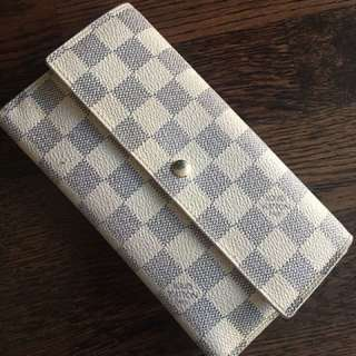 Authentic Louis Vuitton azur Sarah wallet