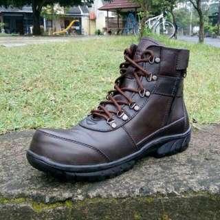 Sepatu Boots Crocodile Proyek Safety Zip
