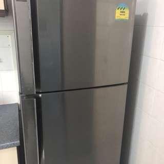 LG fridge - only used 3 yrs
