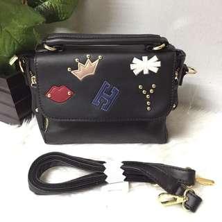 Black slingbag