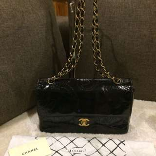 Authentic Chanel single flap patent with dustbag