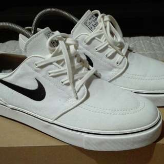 Janoski summit white size 9.5