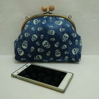 NEW Handmade 20.5cm Arch Wooden Ball Clasp Kisslock Denim Sling Bag/Clutch bag, Day/Night Out (Item Code : SK2051)