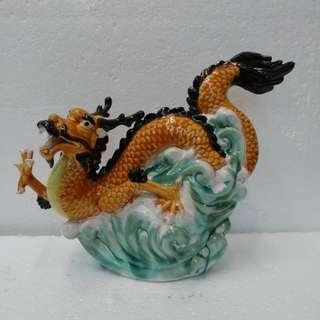 龍  陶瓷