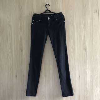 Black skinny pants