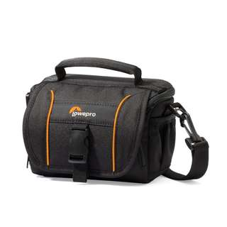 LOWEPRO ADVENTURA SH 110 II SHOULDER BAG - BLACK