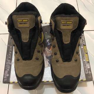 Sepatu Safety Joger tipe Xplore S3