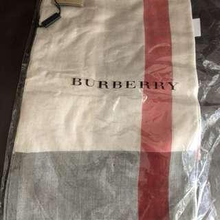 正品Burberry 圍巾