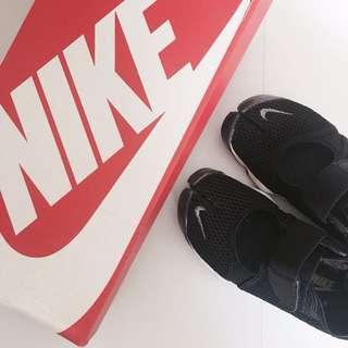 Nike air rift-黑白忍者鞋