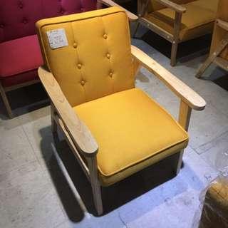 北歐時尚黃色單人沙發