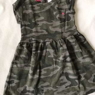 Dress size 3T (runs small 2-3T)