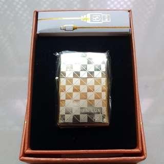 USB Lighter (Gold Checkered)