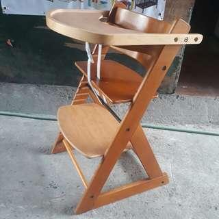 Soho wooden hichair